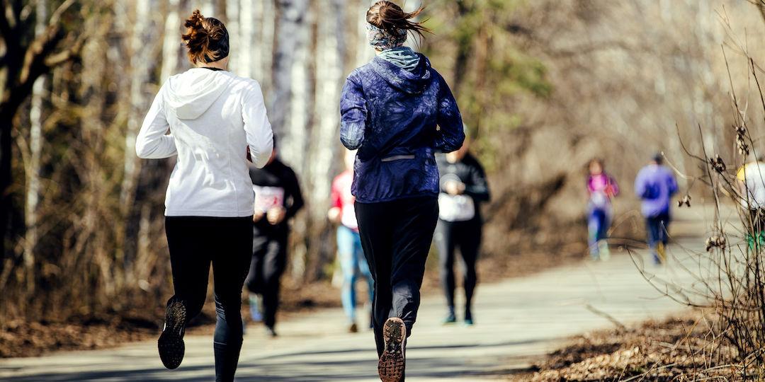 Naiset lenkillä kopio